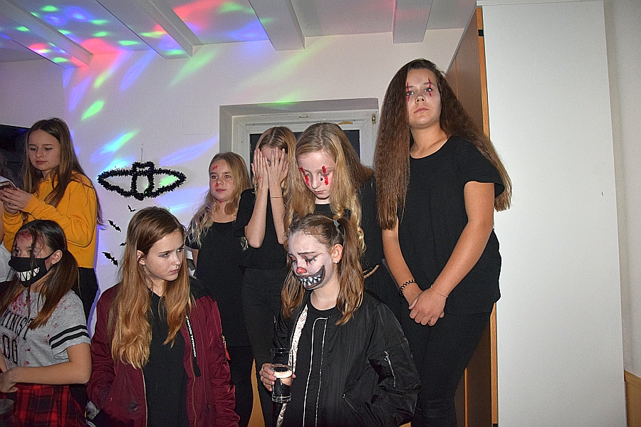 2710_halloween_2017_74